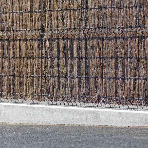 Plaque sur clôture